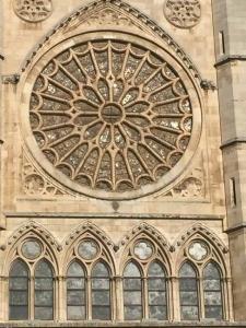 Rosetón de la fachada de la Catedral de León