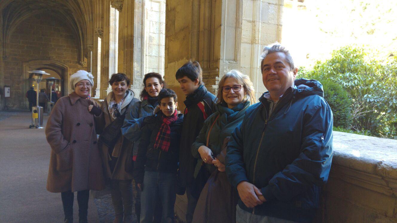 Descansando en el claustro del Parador de León con Amigos & Arte